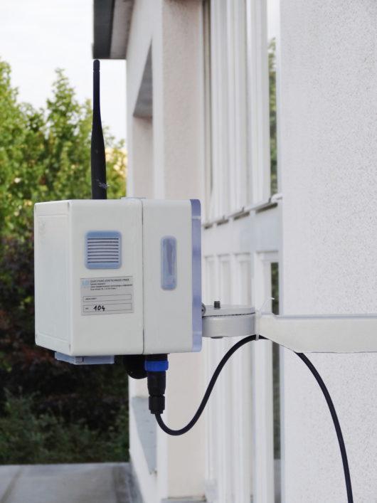 Nainstalovaná integrovaná senzorická jednotka pro měření znečištění ovzduší