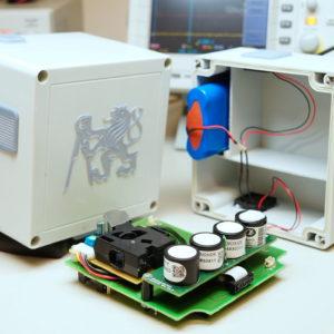 Senzorická jednotka Master před závěrečnou montáží - detail senzoru plynů a měřiče PM2,5 a PM10