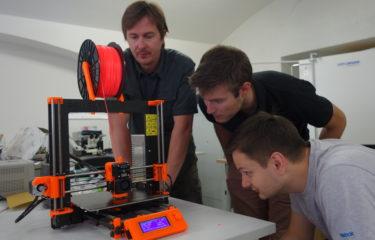 Laboratoř má nový přírůstek do rodiny 3D tiskáren